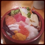 New Instagram: chirashi mmmm #foodporn #nomnom #sashimi #sushi #生魚片 #好吃 #fish #food #tasty #美食 #tuna #salmon #uni #scallop #egg #rice #roe #Japanese #日式 #日本料理