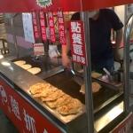 New Instagram: fry me up some 抓餅 brotha!! #抓餅 #美食 #好吃 #早餐 #台灣 #台北 #台北車站 #地下街 #nomnom #Taiwan #Taipei