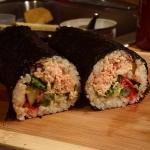 New Instagram: 我做的 握壽司 明天的午餐 #好吃 #美食 #握壽司 #壽司 #鮭魚 #午餐 #foodporn #nomnom #nom #big #sushi #roll #homemade #lunch #salmon #cooking